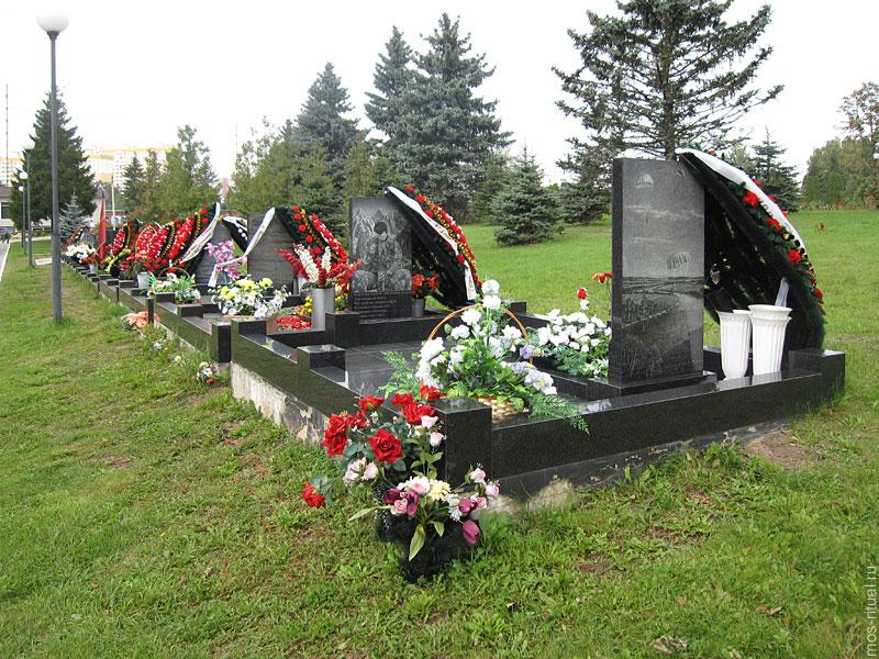одно из крупнейших кладбищ